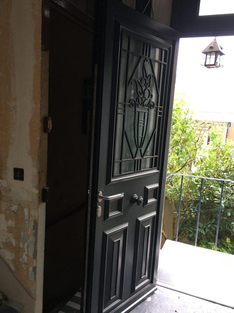 Pose De Fenêtre Et Porte Dentrée Paris